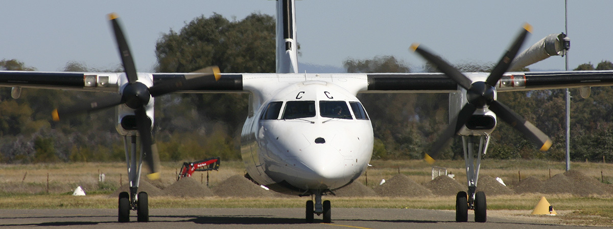 C&LAviation-Regional-Dash8
