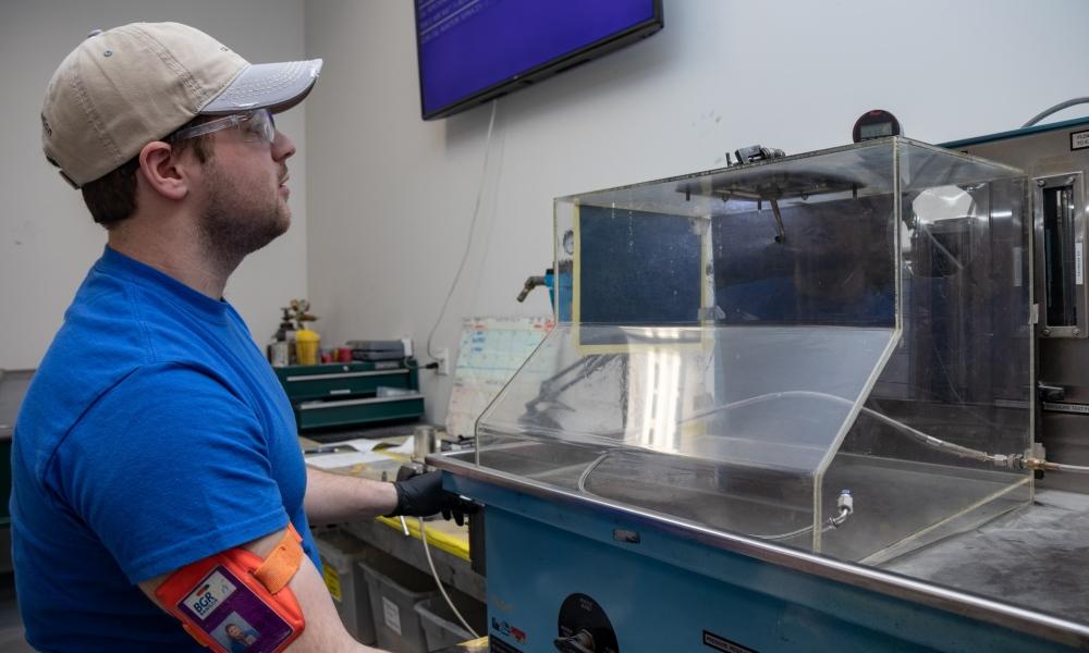 CT7 fuel injector overhaul