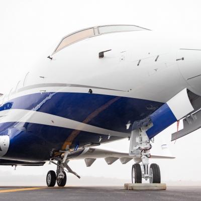Challenger aircraft paint